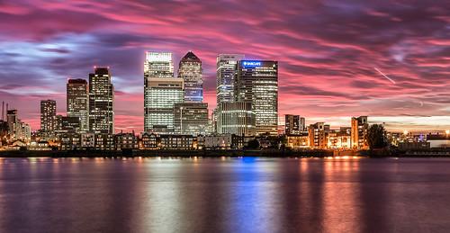 city sunset london canarywharf