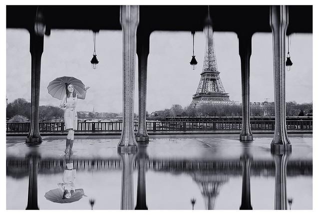 Now, please, i like the rain, ans I like walking alone