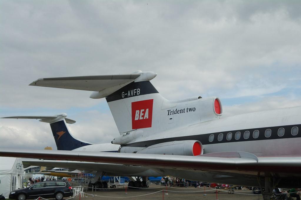 Trident 2E and Vickers Super VC10