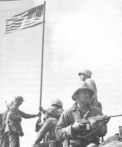 Bandera original en Iwo-Jima