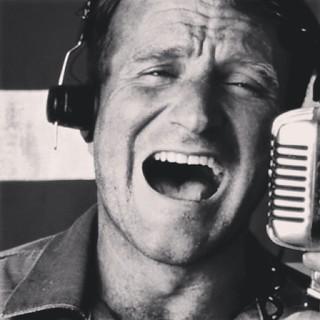 Gooooooddddd Morninnnngggg Vietnamm!!!!!...   Robin Williams me enseñó lo crudo de una guerra injusta y ahora lo injusto de una vida cruda. | by Pedro Baez Diaz @pedrobaezdiaz