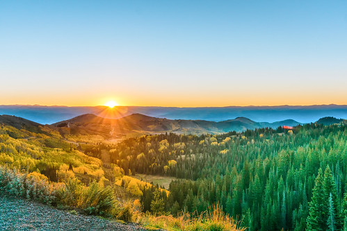 park city autumn trees sky sun mountains fall sunrise utah big wasatch unitedstates pass canyon foliage saltlakecity saltlake cottonwood midway guardsmans