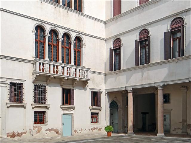 La cour intérieure du Palazzo Grimani (Venise)