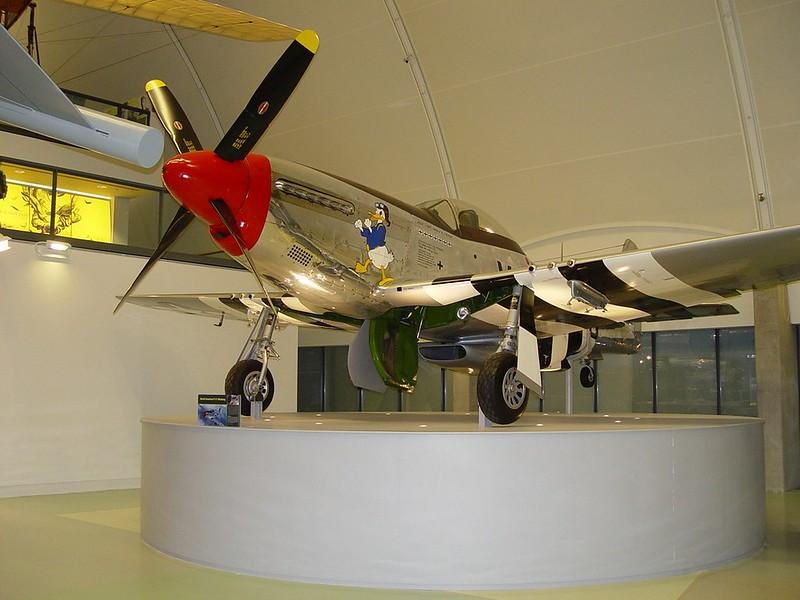Североамериканский P-51D Mustang 1