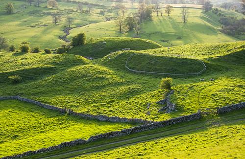 england green castle wall landscape evening gate pilsbury shadows derbyshire peakdistrict may fields earthworks