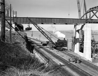 Missouri River Bridge, Span Over Railroad (MSA)