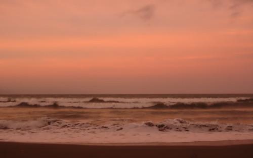 Baler waves 2560x1600