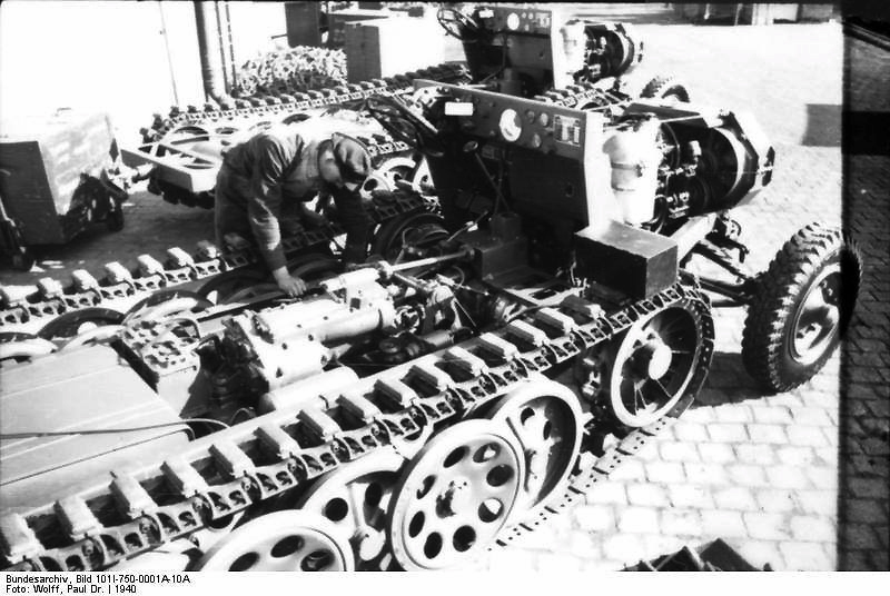 Assembly of chassis of light tractors 3 t (Sd.Kfz 11.)