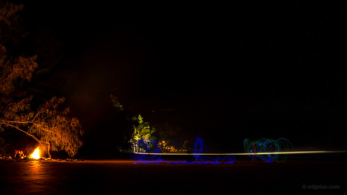 longexposure fire australia lanterns tasmania portdouglas 61 nikond3200 fourmilebeach edgetas abcedge