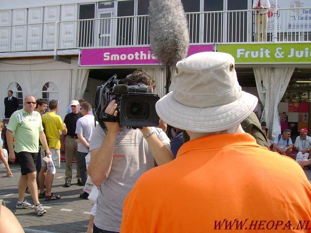 2007-07-16 Startbewijs op halen en vlaggen parade. (11)