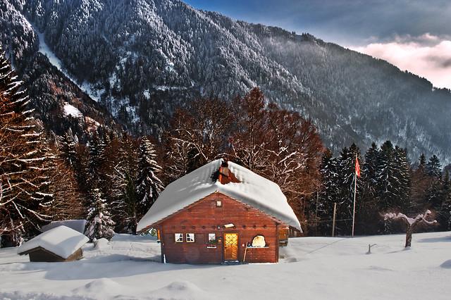 My dream house... ) Là-haut, sur la montagne L'était un vieux chalet. ....Caux et  Les Rochers-de-Naye .  No. 5979