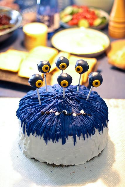 Le gâteau monstrueux