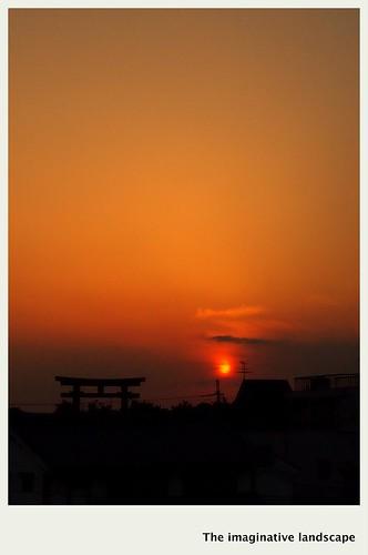 sunset japan nara torii 大和 大神神社 olympuspenep3 ealabo 磯城 theimaginativelandscape fuwaryôsuke