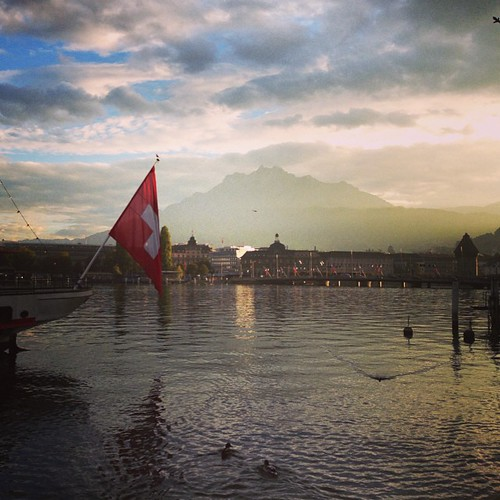 #luzern #lucerne #switzerland #swiss #sunset #仙气 #瑞士 | by Nathan Guo