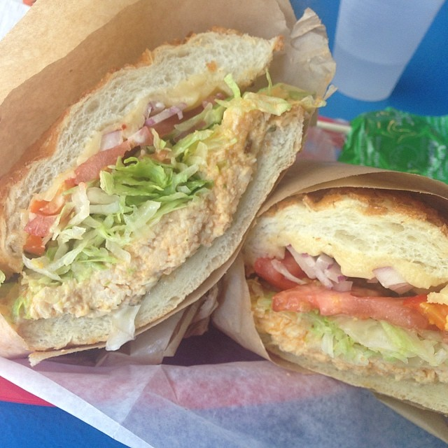 The 49er sandwich (halal chicken, buffalo wing sauce, Goud