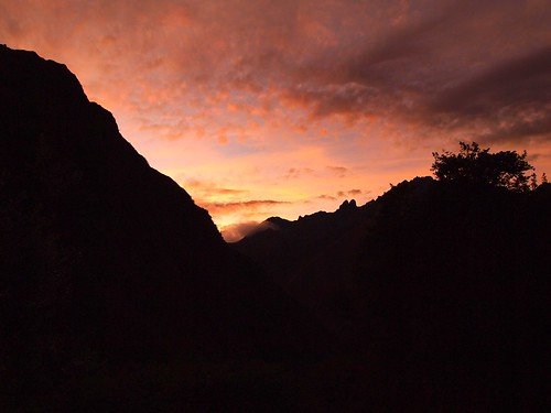 vacation mountains peru trek hiking andes incatrail alpacaexpeditions