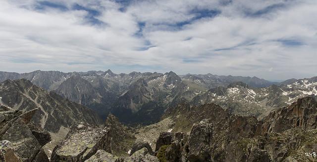 Pico de Bassiero (2.900 m).Ruta Estanque de Gerber y Pico Bassiero