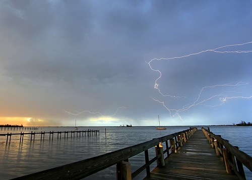 sky storm pier day cloudy lightning planetearth indianriver sebastianfl lightningstorm kmprestonphotography 20140727142235mcr8s4