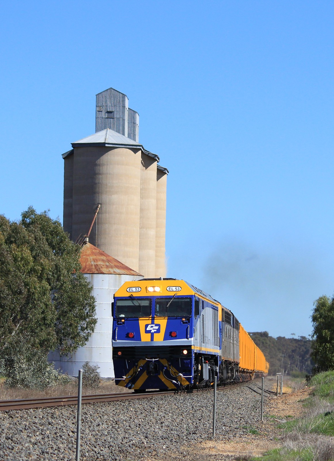 EL53 S300 and S311 power up-grade through Wail on 8704 transfer train to Goulburn by bukk05