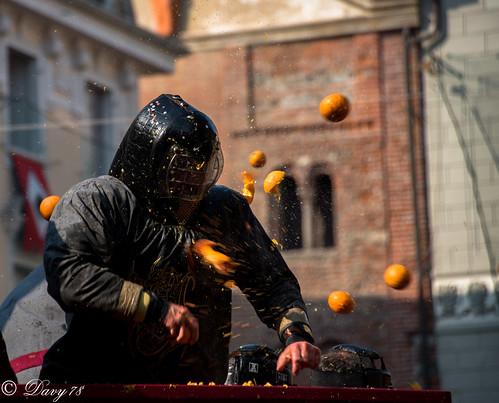 Carnevale di Ivrea: La battaglia delle arance