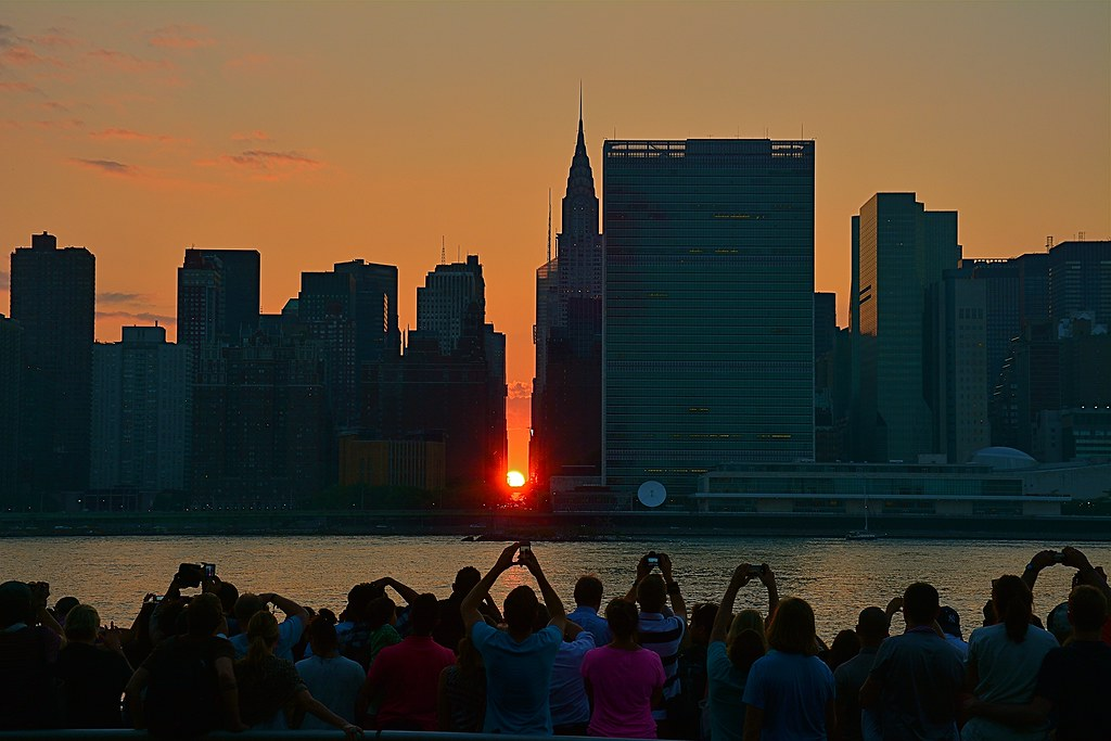 Manhattanhenge (July 11, 2014) and its Worshippers