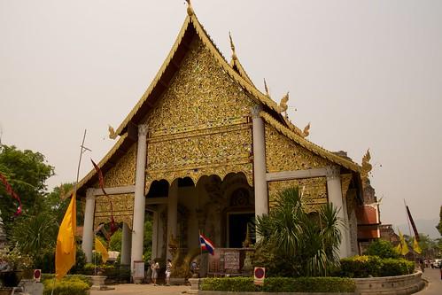 Wat Chedi Luang in Chiang Mai, Thailand | by kimtetsu