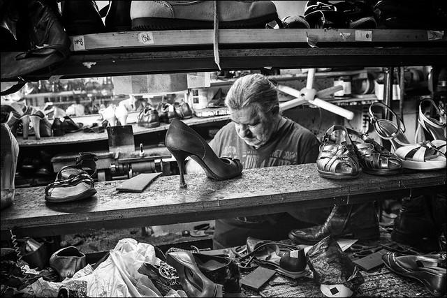 La bottega del calzolaio