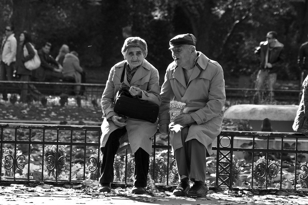 old couple in black and white | Elderly couple reminiscing i… | Flickr