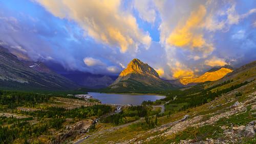park mountain sunrise nationalpark montana glacier national glaciernationalpark manyglacierhotel swiftcurrentlake canonef14mmf28liiusm sonya7r