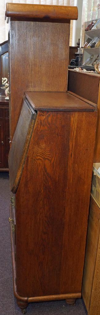 CH0072 Antique Oak SecretaryDSC01367