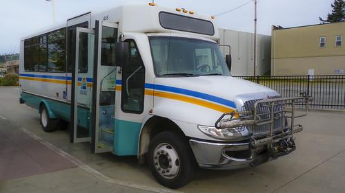 An Island Transit Small Bus in Oak Harbor...