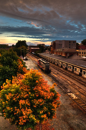 bridge sunset 6 color fall virginia nikon locomotive charlottesville d300 buckinghambranch nikkorafsdx18105mmf3556edvr bobmical