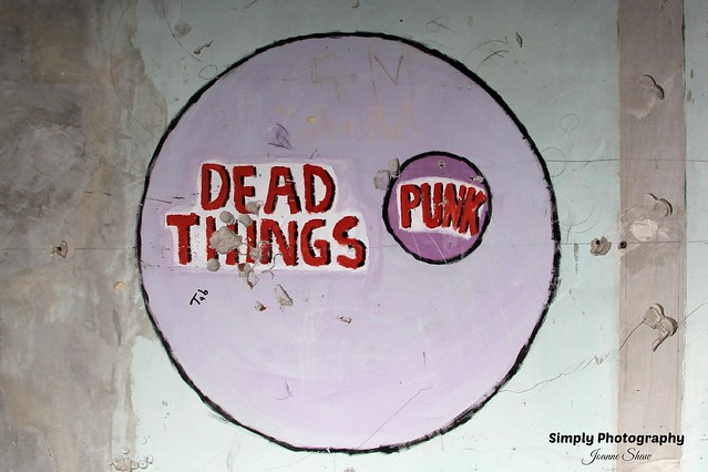 IMG_6240EN Dead Things Punk Graff