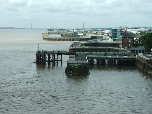 looking down on hull pier from the deep | by smudger888
