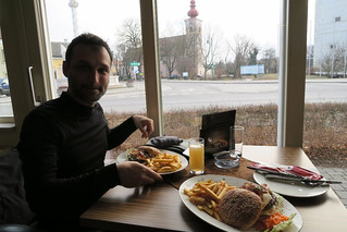 Cyclists lunch or the little burger | by najuste