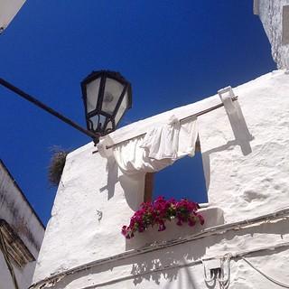 Ostuni, la città bianca #ostuni #puglia #estate #chisimuovedaqui #lanostraestate | by zok87
