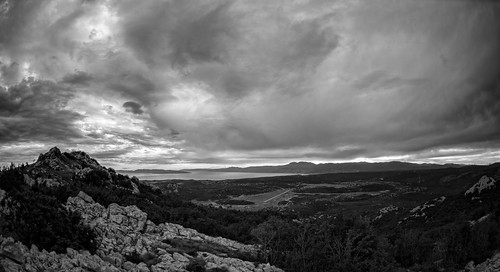Horizon... | by Tomislav C.