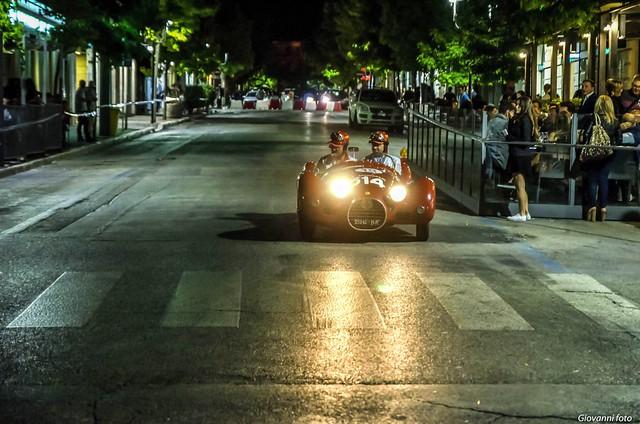 auto storiche nel centro cittadino
