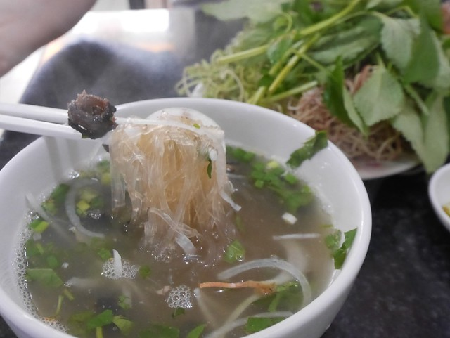 木, 2014-05-15 21:57 - Mien Luon Nuoc 揚げ田ウナギ入り麺