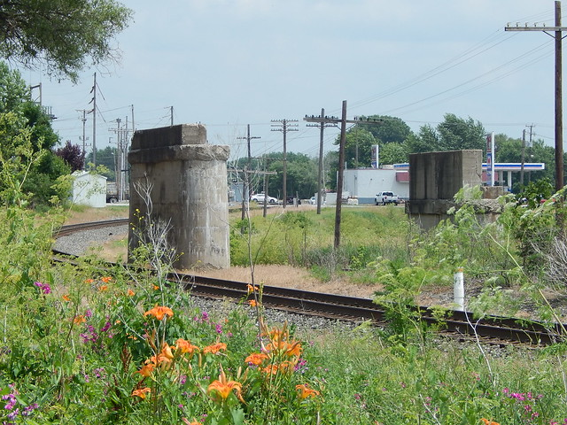 Bridge supports at Kenton Ohio