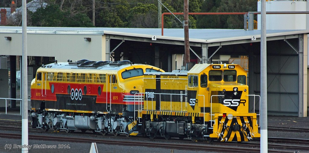 B75 (CLR)-T386 (SSR), stabled at Loco yard in Geelong (17/7/2014) by Bradley Matthews