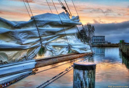 sunrise boats md maryland sail fishingboats jib tilghman chesapeakebay marylandeasternshore tilghmanisland skipjack oystering dogwoodharbor talbotcountymd oysterdredging