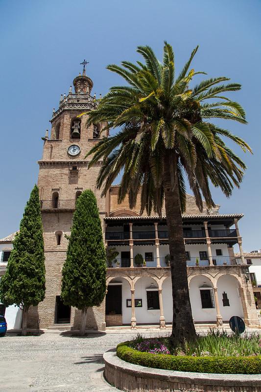 https://www.twin-loc.fr Une église à Ronda (Espagne) - A church in Ronda (Spain) - Picture Image Photography