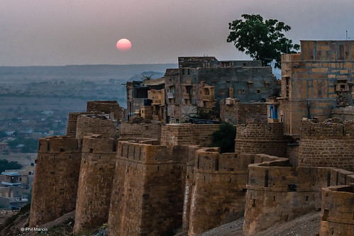 The sun sets over Fort Jaisalmer and the dusty sky of the Thar Desert, India | by Phil Marion (176 million views - THANKS)
