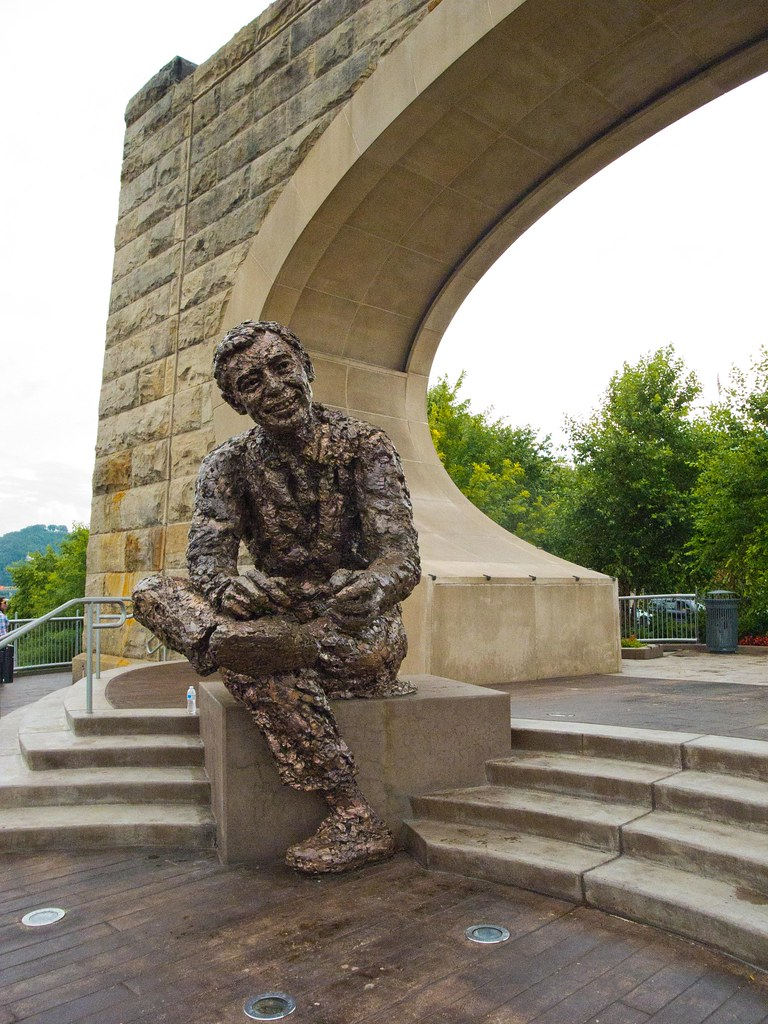 Pittsburgh Fred Rogers Memorial Statue Craig Fildes Flickr