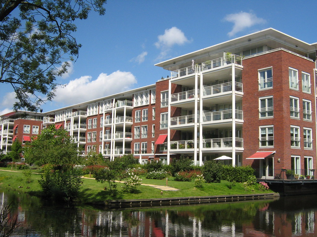 Modern apartment building | Modern apartment building in Ams ...