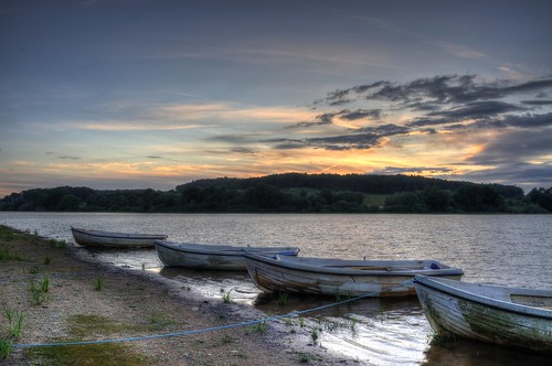 sunset landscape boats nikon reservoir d90 cropston 1855mmvr