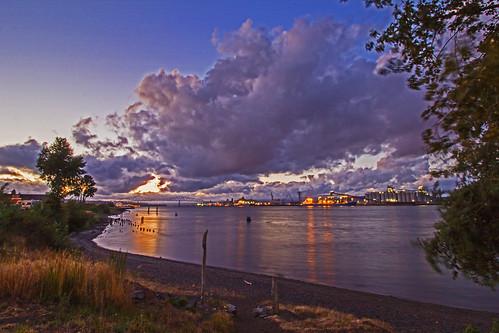 sunset summer fall clouds columbiariver rainieroregon