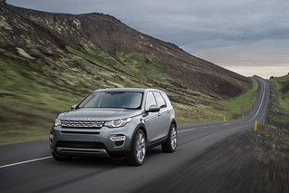 Land-Rover-Discovery-Sport-2014-23
