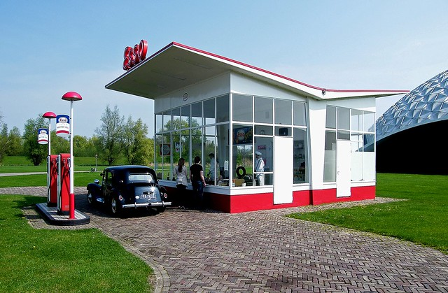 ESSO Service Station  (Holland)